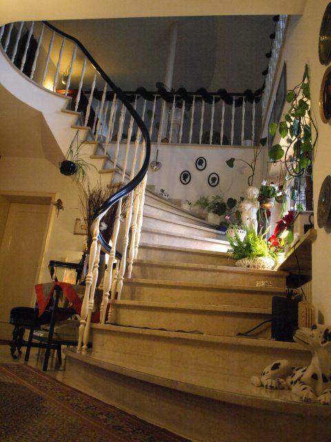 Haus de Paoli - Treppenaufgang zu Zimmer oben
